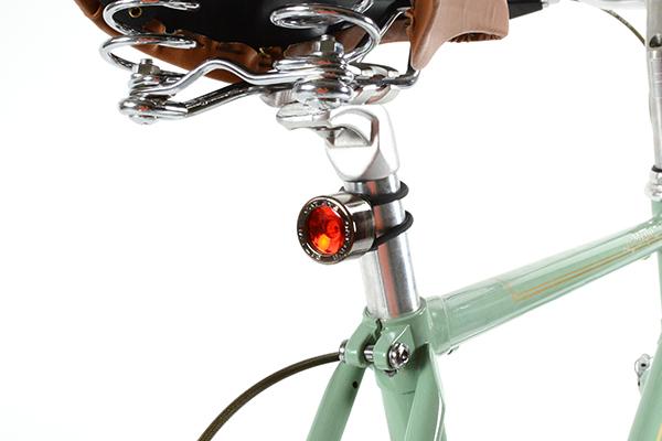 自転車用ライトのおすすめ16選   明るさの条件や選び方も徹底解説