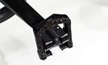 折り畳み可能なペダルを標準装備