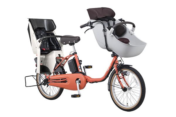 3人乗り用チャイルドシート付きギュット・クルーム・EXの商品画像