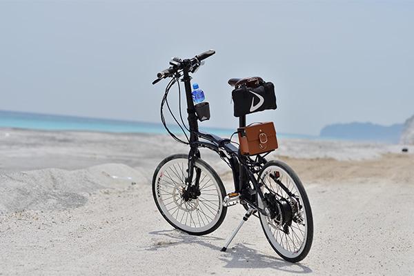 海辺のミニベロ横画像